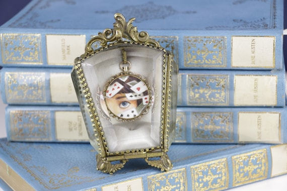 Alice in Wonderland Antique 9 karat/ct Gold Double