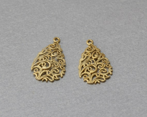10 Pieces  C3149G-010 Leaf Brass Pendant Matte Gold Plated