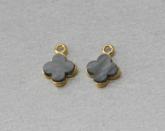 Charcoal Acrylic Clover Pendant . Polished Gold Plated . 10 Pieces / C8501G-CC010