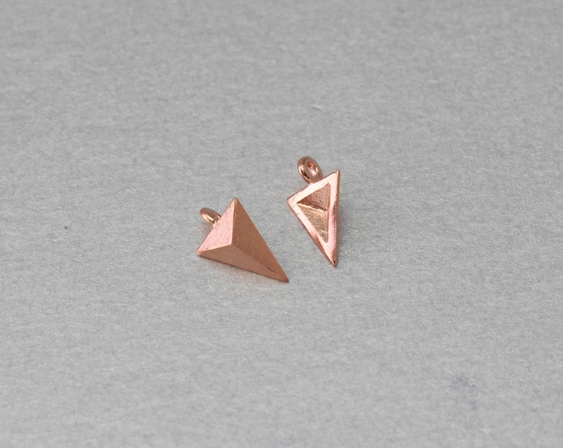 10 Pieces  C3001R-010 Rose Gold Plated Triangle Stud Brass Pendant