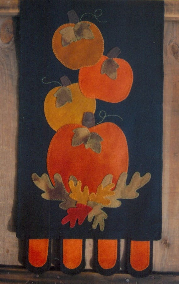 PRIMITIVE WOOL APPLIQUE PENNY RUG PATTERN TRADITIONAL LONG RUNNER  *NEW*
