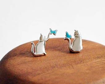 Cat catching butterfly earrings - Nickel-free and lead-free - Matt cat with enamel