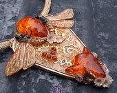 Honeybees Art Nouveau necklace, Bumble Statement Necklace, Insect necklace, Amber bee necklace, Bee charm, Bee gift, Nature jewellery