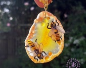 Bee amber necklace Bumble Bee Necklace Agate slice necklace Honeycomb statement necklace Raw gemstone necklace Genuine Baltic Amber jewelry