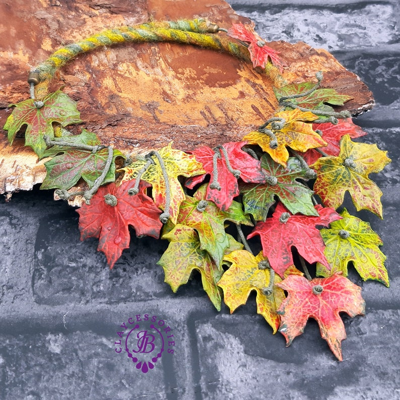Maple leaves necklace Leaf fall necklace Autumn leaves image 0