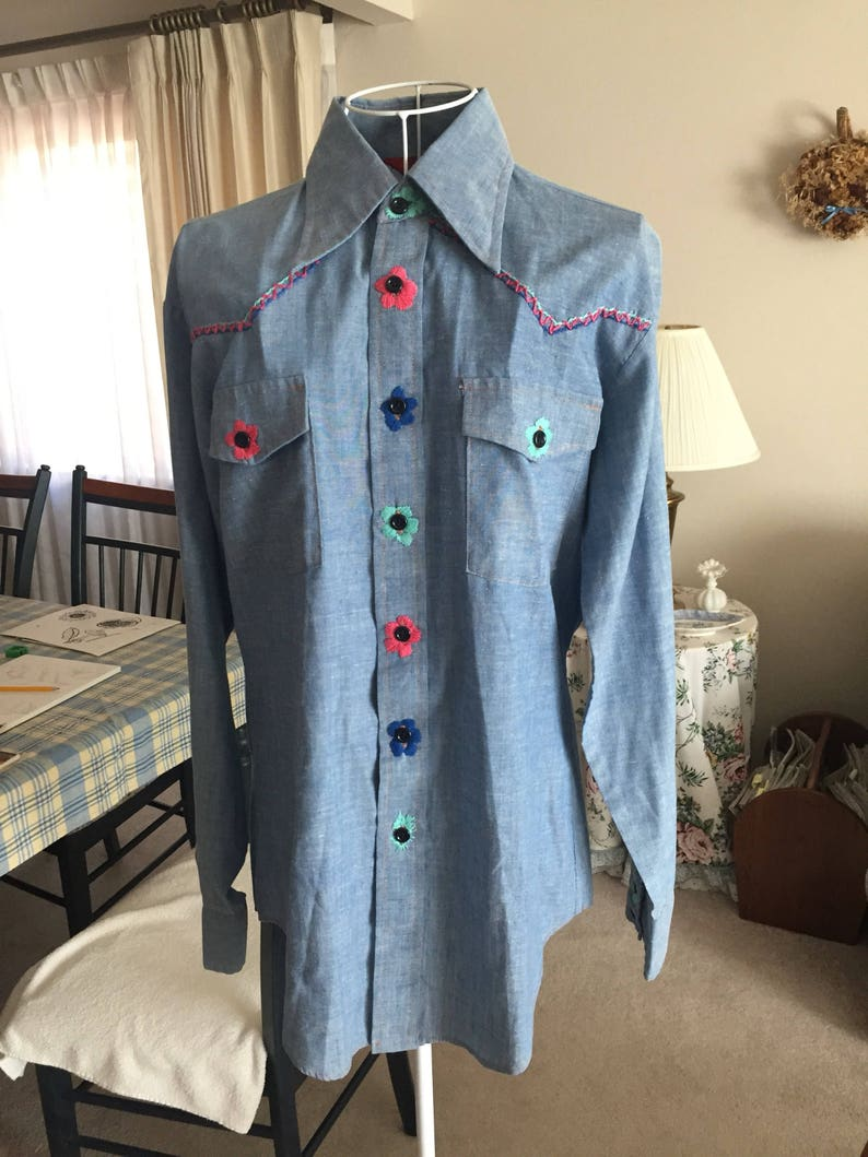 Awesome Vintage Women/'s Size Medium Americana Sears Eagle And Flag Blouse