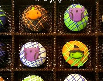 Halloween cake ball gift set. Halloween cake pops. Halloween treats. Cake balls. Halloween sweets. Halloween gifts. Cake balls. cake pops