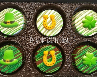 St. Patrick's day treats. Chocolate covered oreos. St pat oreos. Irish treats. Irish oreos. St Patrick's day. Oreos. Green oreos. Clovers