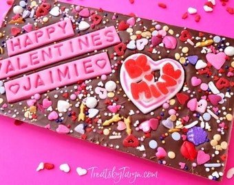 Valentine's  day personalized chocolate bar. Valentine's bar. Vday treats. Galentinesday treats. Valentine's  datgifts. custom vday bar.