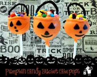 HALLOWEEN cake pops. Pumpkin pale cake pops. Pumpkin cake pops. Halloween cake pops. Halloween treats. Halloween goodies. Halloween party