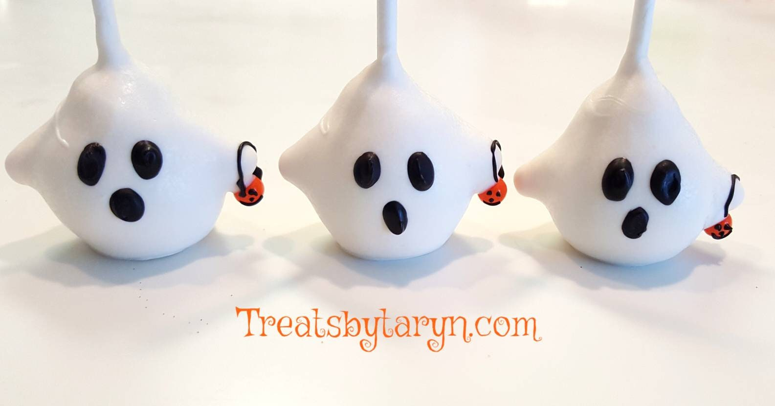 ghost cake pops. jack cake pop. nightmare before christmas