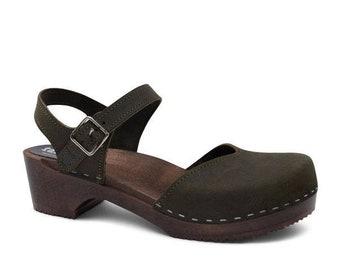 Suédois sabots pour femmes en cuir fait à la main chaussures bas talon en  bois sangle sandales nouvelle Collection Ultra Violet sabot sandales  Sandgrens ... 8623417a6925
