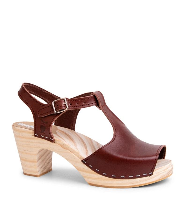 Schwedische Clogs für Frauen hohe Ferse Leder Sandalen handgefertigte Naturmaterialien Hochzeit Inspiration Damenschuhe Sandgrens Nizza