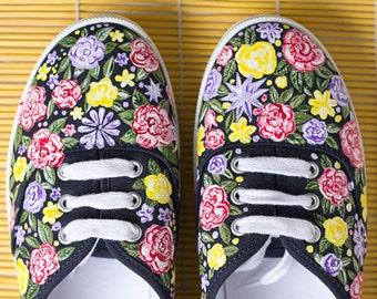 3bec854e7140a6 Hand painted Women Canvas Shoes