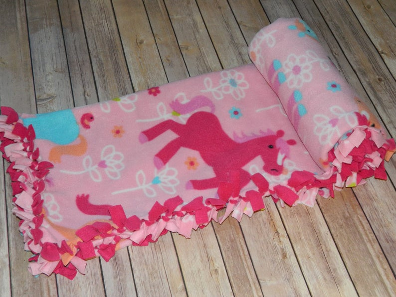 Pretty Ponies and Flowers Pattern No-Sew Anti-Pill Fleece Blanket 45 x 56 Nap  Daycare Blanket