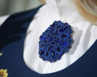 brooch crystal  sutazhy decorate a blouse
