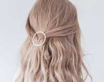 Gold or Silver circle hair clip, Metal, Minimalist Hair Clip, Accessory, Geometric Hair Clip, Hair Barrette, Stylish Hair Clip