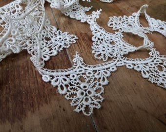 Antique lace trim / vintage bridal lace / 4 yards / ivory / Venice lace