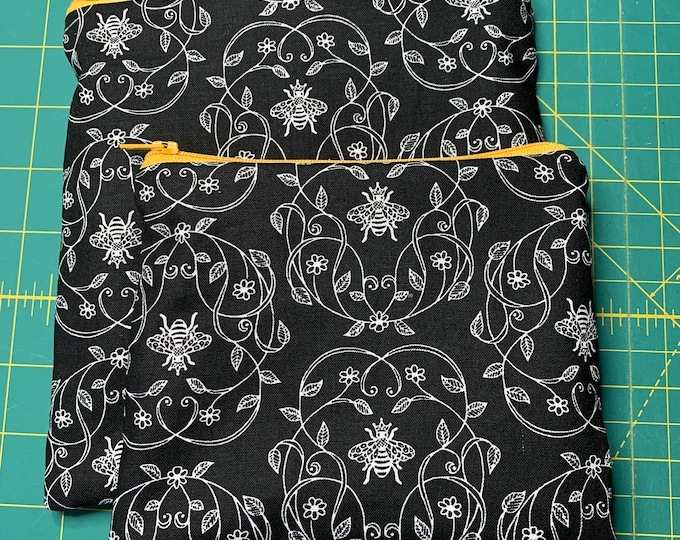 Reusable Snack and Sandwich Bag Black Bee