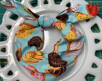 Bow Tie Scrunchie Donut