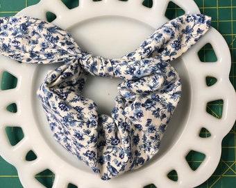 Bow Tie Scrunchie Petite Blue
