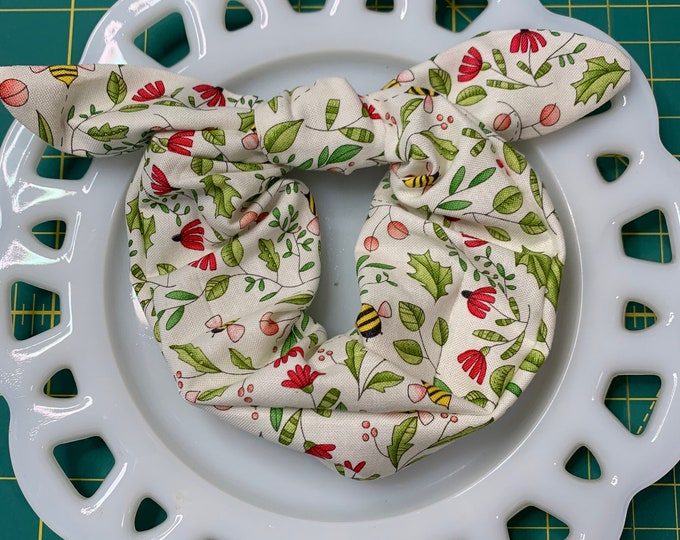 Bee Garden  Bow Tie Scrunchie
