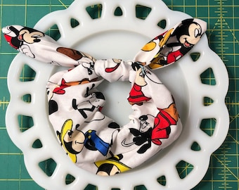 Bow Tie Scrunchie Mickey on White