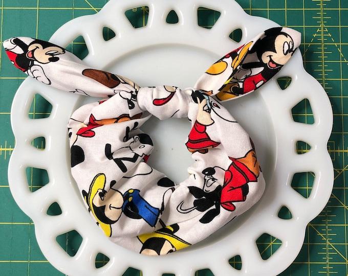 Bow Tie Scrunchie Mickey on White