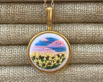 Embroidered Necklace Meadow