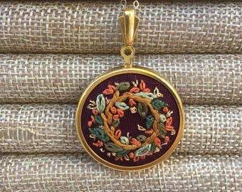 Embroidered Golden Fall Wreath