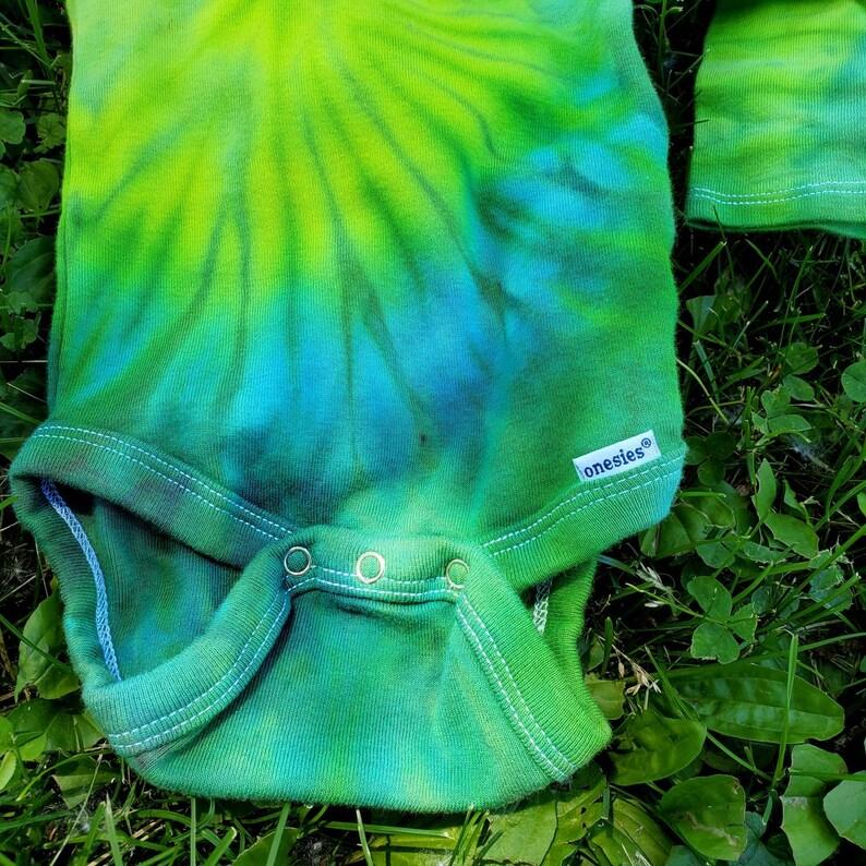 18 Month Organic Cotton Long Sleeve Tie dye Baby Onsie