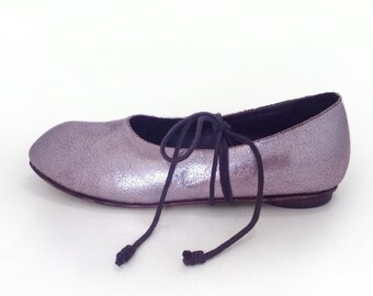 Sergei - flat ballet style shoe with quirky toe detail