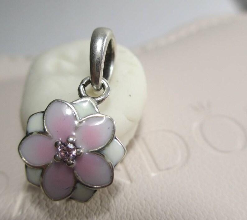 pandora magnolia