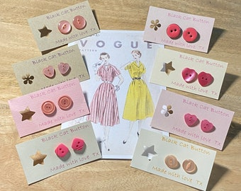 Button Box Button Earrings - Vintage, Retro, Old! Pink.