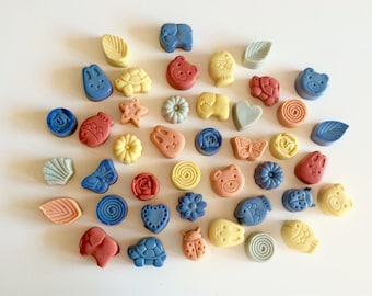 Set of 50 custom craft soaps from 30g forms various animals and flowers, hearts, leaves, etc. soap with extra virgin olive oil.