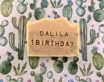 Sapone Compleanno- evento Personalizzato da 120g timbrato con nome e/o data - Bimba-Bimbo-Adulto - Sapone naturale con erbe e spezie.