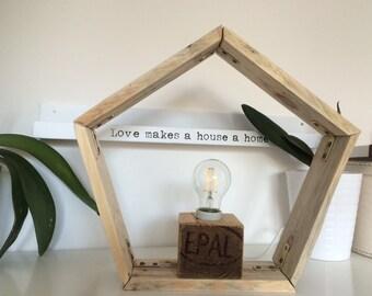 Pentagonal lamp in recycled wood pallet, ceramic lampholder on pallet cube
