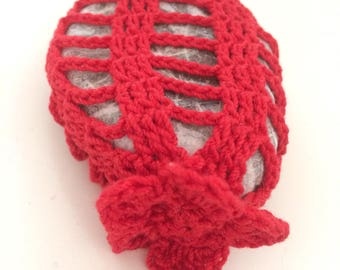 Fig. India Lace Stone made in Italy, lovely Red Crochet covered stone, Mother's Day, Home Decor, Beach Wedding, Valentine-Valentine