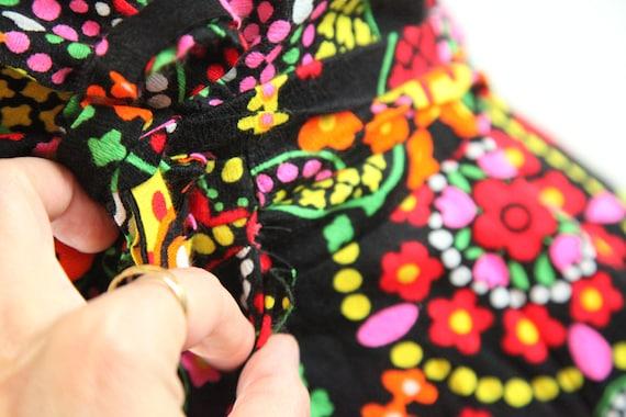 Vintage 60s 70s Barkcloth Wrap Halter Dress Black… - image 5