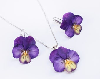 White blue jewelry set Real flower jewelry set Pansy jewelry set Jewelry set for her birthday Necklace and earring set