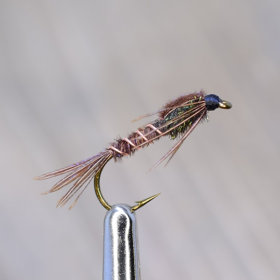 4 V Fly Size 10 Custom Gold Bead Stick Fly Trout /& Sea Trout Flies