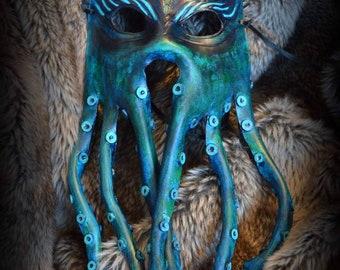 """Kraken"" vegetable tanning leather mask"