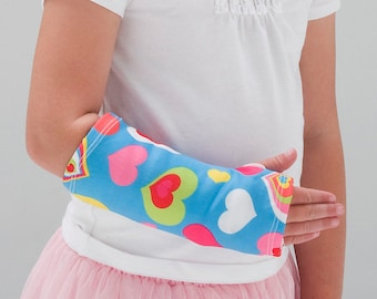 "Arm Cast Cover in ""Happy Hearts"""