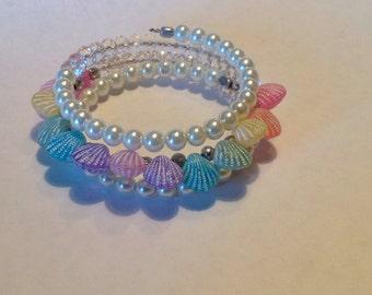 Seashell 3 strand spiral bracelet