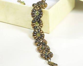 Daisies Beaded Bracelet