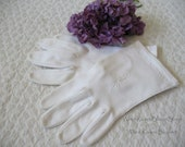 Vintage Style Gloves- Long, Wrist, Evening, Day, Leather, Lace Vintage White Gloves Size 7 Italian Fabric Tea Party Wedding 1st Communion Classic Retro Mid Century Style  Free Ship in US WhenRosesBloom $32.00 AT vintagedancer.com