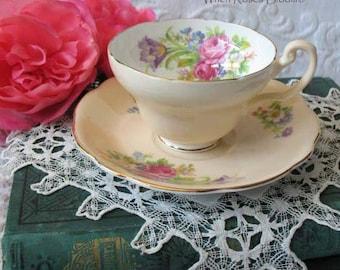 Vintage Teacup & Saucer Foley English Bone china Tulip  Retro TeaTime Gift Elegant Mid Century Style Shabby Chic WhenRosesBloom Classic Tea