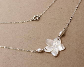 Plumeria Shell Pearl Necklace, Frangipani Shell Pearl Necklace, Hawaiian Plumeria Necklace, Beach Wedding Necklace, Bridesmaid Gift Necklace