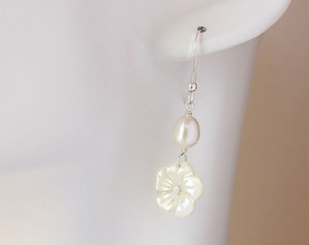 Plumeria Shell Earrings, Pearl Plumeria Earrings, Frangipani Earrings, Hawaiian Earrings, Beach Wedding Earrings, Bridesmaid Gift, Plumeria
