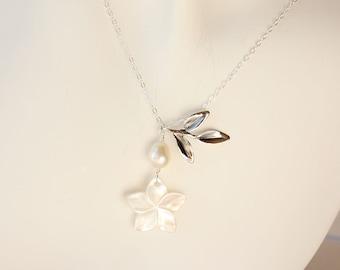Pearl Plumeria Necklace, Plumeria Shell Necklace, Beach Wedding Necklace, Bridesmaid Necklaces, Pearl Frangipani Necklace, Tropical Necklace